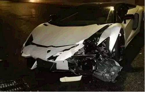 车祸碎片为何这么高.png
